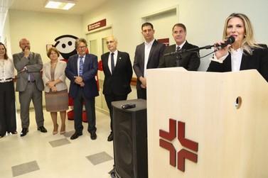 Governadora inaugura estação de tratamento de esgoto em Perobal