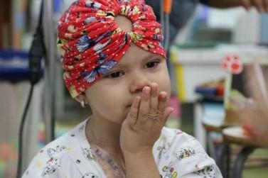 Amigos fazem rifa para auxiliar no tratamento da pequena Rebecca