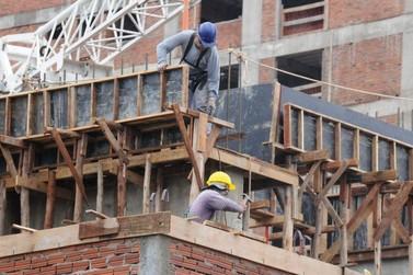 Apesar da crise, construção civil mantém ritmo em Umuarama