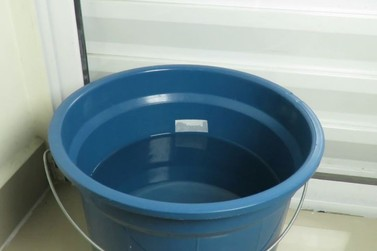 Bebê de apenas um ano morre afogado após cair em balde com água