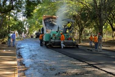 É iniciado o recapeamento de ruas e avenidas em Umuarama