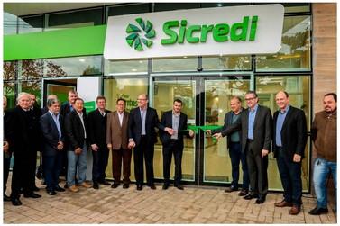 Sicredi inaugura agência em Alto Piquiri com nova marca e ambientação