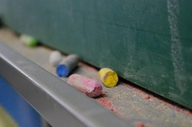 Adolescentes vão participar do exame nacional para certificação de ensino