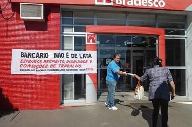 Bancários de Umuarama aderem ao 'Dia do Basta' e agências abrem mais tarde
