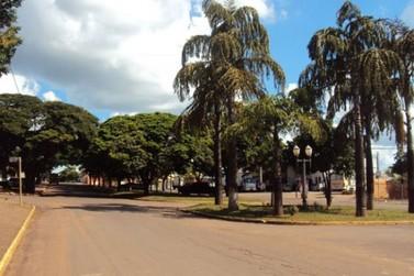 Criminosos armados assaltam posto de combustíveis em Ivaté