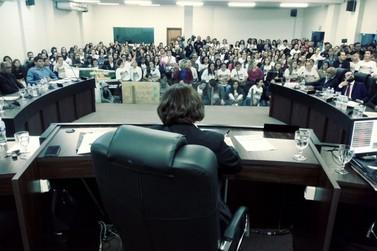 Projeto de lei é rejeitado e professores municipais decidem pelo fim da greve