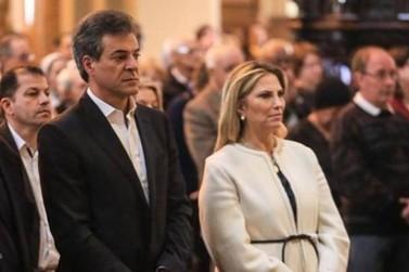 """Cida move ação para expulsar Richa da chapa. """"Oportunismo"""", diz tucano"""