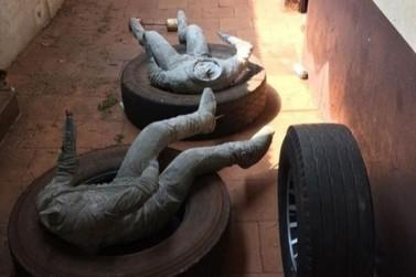 Justiça apreende estátuas encomendadas pela prefeitura de Astorga