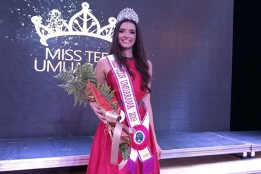 A bela Debora Meretka é eleita Miss Teen Umuarama 2019