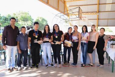Alunos do Colégio Tiradentes são premiados em concurso nacional de poesias