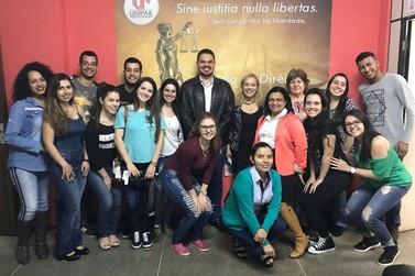 Estudantes fazem vaquinha e doam mais de R$ 10 mil ao Abrigo Tia Lili e à SAAU