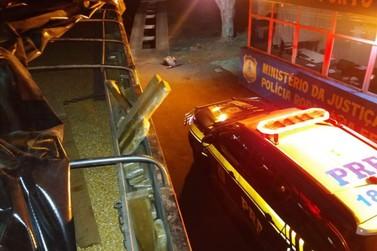 PRF apreende uma tonelada de maconha em carreta em Porto Camargo
