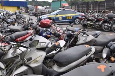 PRF faz leilão com mais de mil veículos retidos no Estado