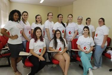 Alunas de Moda produzem e doam camisetas para equipe da Uopeccan