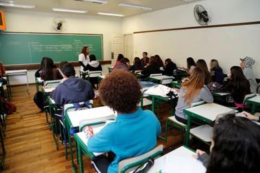 Alunos da rede estadual em Umuarama voltam às aulas no dia 14 de fevereiro