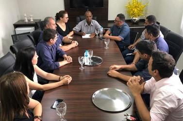 Noel do Pão realiza primeira reunião com servidores da Câmara de Umuarama