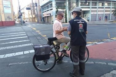 Pedestres e ciclistas poderão ser multados, mas órgãos não sabem como
