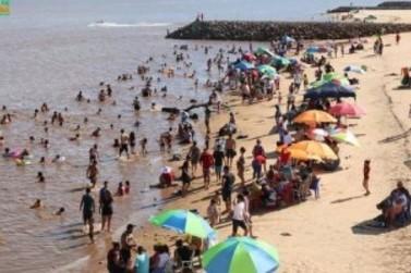 Salto del Guairá inaugura praia artificial com ampla estrutura