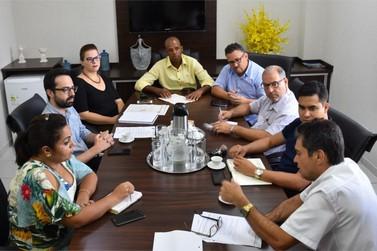 Servidores de Umuarama se reúnem para definir se aceitam reposição de 3.75%