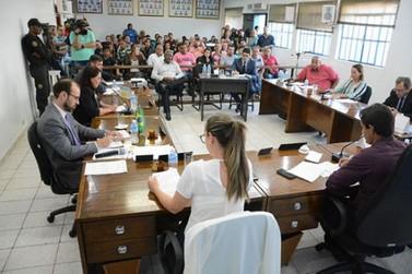Vereadores de Alto Paraná decidem pela cassação do mandato do prefeito