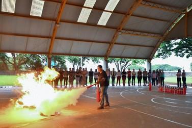 Curso forma novos brigadistas nas escolas municipais, CMEIs e na Smel