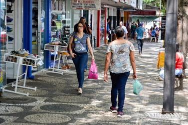 Lojas do comércio de Umuarama abrem até as 17h deste sábado