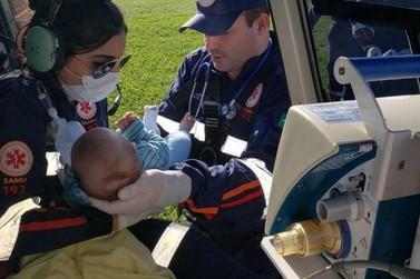 Bebê de dois meses com pneumonia é transferido de Maringá para Umuarama