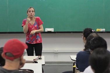 Protagonismo da pessoa surda é tema de encontro de educadores em Umuarama