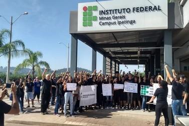 Alunos do IFPR de Umuarama convocam ato contra cortes nas universidades