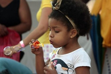 Capacitação escolar aborda o brincar como elemento fundamental na educação