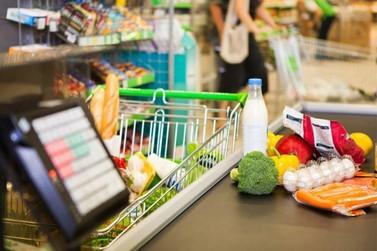 Cesta básica com produtos populares tem redução de 2,25%, segundo Procon