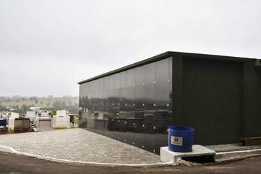 Concluído o primeiro bloco de gavetas do Cemitério Municipal de Umuarama