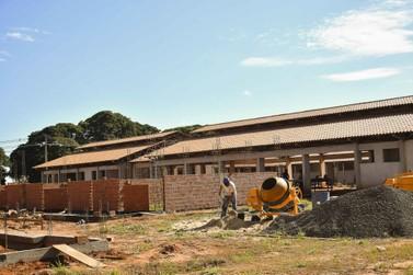 Construção da Escola Tempo Integral é retomada e ganha ritmo