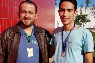 Aluno de Umuarama conquista medalha na Olimpíada Paranaense de Matemática