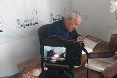 Bispo Emérito Dom José Maria Maimone lança livro em Douradina