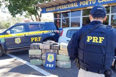 PRF apreende mais de 300 quilos de maconha e recupera carro roubado