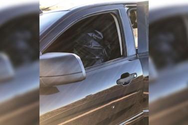 Umuaramense morre após jogar carro carregado com cigarros em cima de policiais