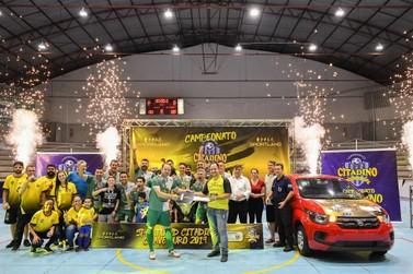 Clínica Veterinária Santa Clara é tricampeã do Citadino de Futsal de Umuarama