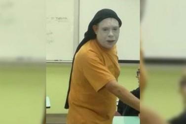 Homem vestido de palhaço invade salas e assusta alunos da Unespar de Paranavaí
