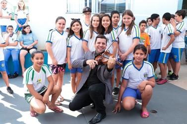 'Orquestra Escola', do Grupo Gazin, levará aulas de música gratuitas a crianças