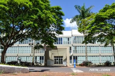Prefeitura de Umuarama abre PSS com 117 vagas e salários até R$ 2.728
