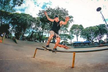 Projeto gratuito combina skate e educação e diverte a garotada em Umuarama