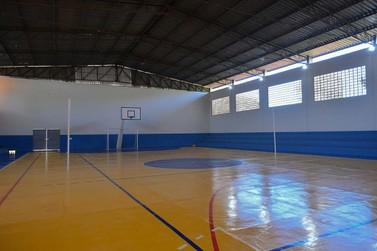 Após ampla reforma, ginásio de esportes é reinaugurado em Santa Eliza