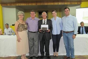 Arlindo Cabreli recebe título de cidadão honorário de Maria Helena