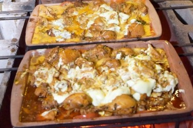Começa neste sábado a Festa do Frango na Telha, prato típico de Umuarama