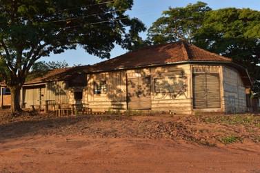 Comércio de secos e molhados faz parte da história da Vila Três Placas