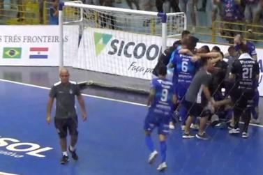 Foz Cataratas vence o Umuarama Futsal nos pênaltis e vai à final do Paranaense