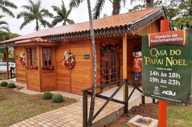 Você poderá visitar a casa do bom velhinho a partir das 14h em Umuarama