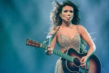 Paula Fernandes faz show gratuito durante festa de aniversário de Juranda