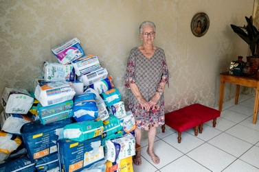 Ao invés de presentes, idosa pede doação de fraldas para asilo de Umuarama
